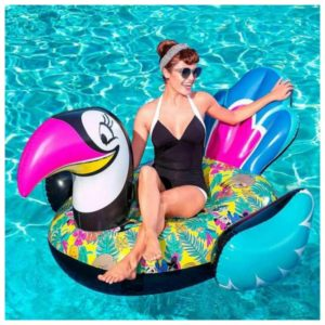 With this mega large toucan from the Minnie Mouse Collection by Bestway you will certainly stand out in the pool or by the sea.